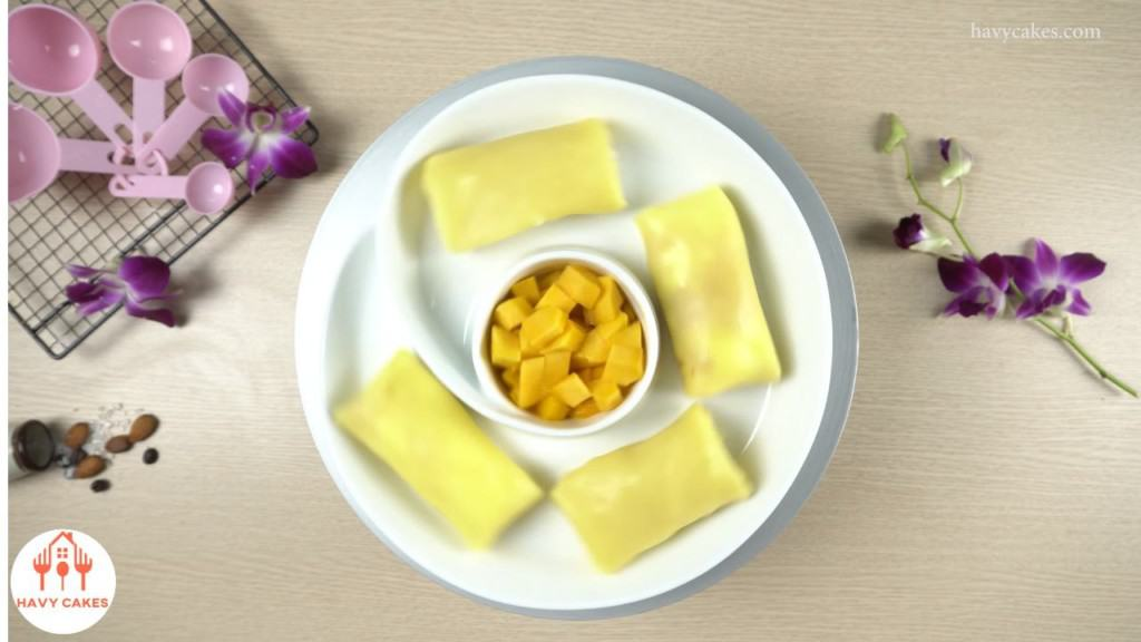 How to make mango crepes: Feature