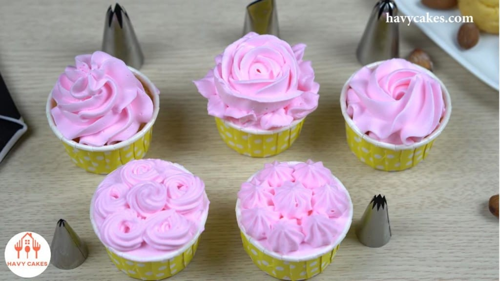 Buttercream Piping Tutorial: Feature