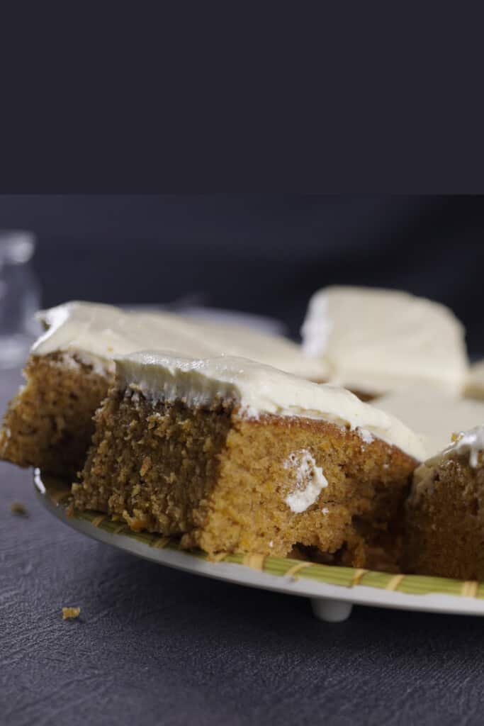 I have the best tips to make these pumpkin bars easy! How to not end up with a pumpkin cake? When do you know the bars are ready? How to make them ahead and store them?